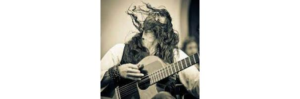 Estas Tonne - Interview